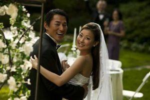 Una guía que presenta para la novia y el novio