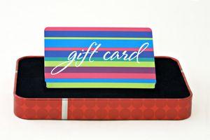 Formas únicas para envolver una tarjeta de regalo