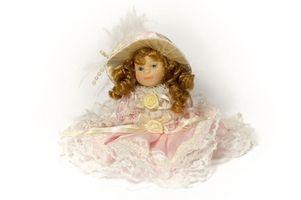 Cómo encontrar el valor de una muñeca de porcelana