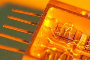Cómo enfocar la luz a un fototransistor
