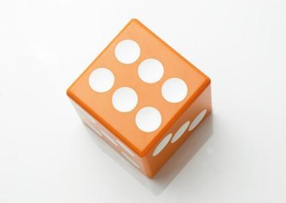 Cómo jugar el juego de diez mil