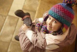 Cómo enseñar a los niños qué ropa llevar en tiempo frío