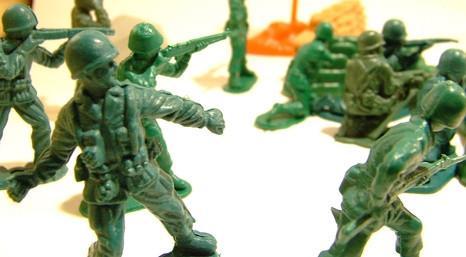 Cómo hacer juegos Fuera de los soldados de juguete