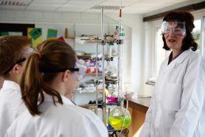 Cómo determinar Moles en Química